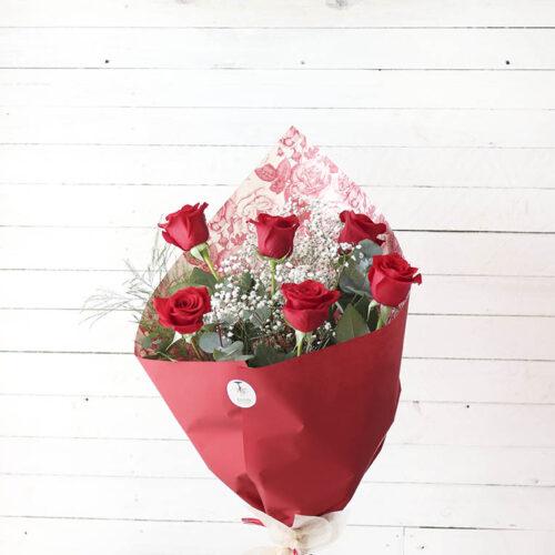 ramo de seis rosas rojas